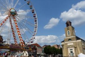 Ein Riesenrad in der Mitte von Husum